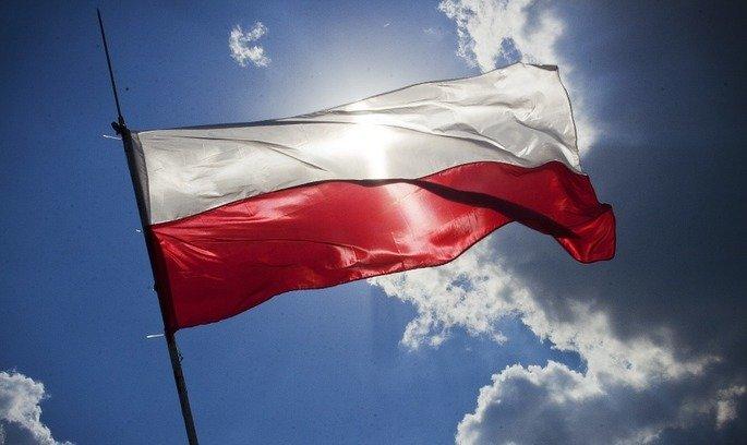 """Українці заробляють на 70% менше за поляків: чи реальною є &quotмрія"""" Зеленського про зарплати, як в Польщі - today.ua"""