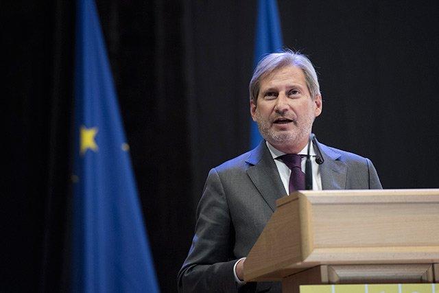 Єврокомісар: Київ відходить від європейських прагнень - today.ua