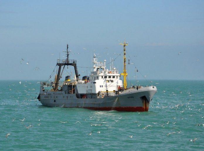 Росія почала оглядати судна, які прямують в Україну - today.ua