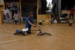 Масштабное наводнение затопило индийский штат Керала: 167 погибших