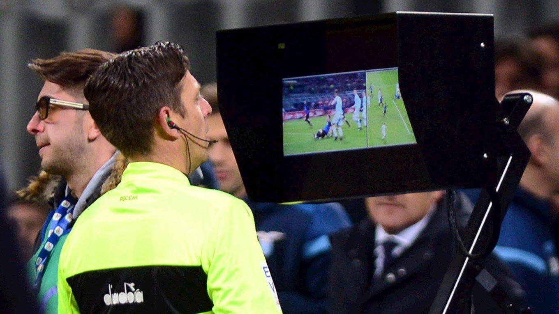 УЄФА планують ввести систему відеоповторів VAR вже в чвертьфіналі цього сезону - today.ua
