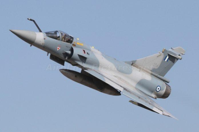 В Греции разбился военный тренировочный самолет - today.ua