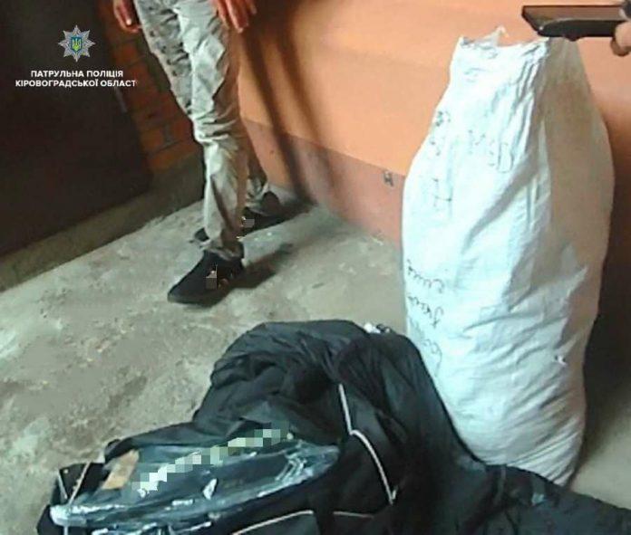 У Кропивницькому злодій-рецидивіст намагався обікрасти склад з одягом - today.ua