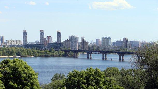 «Київтеплоенерго» усуває водоспад на мосту Патона - today.ua