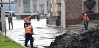 """Транспортний колапс: в Одесі дощ """"заблокував"""" рух транспорту - today.ua"""