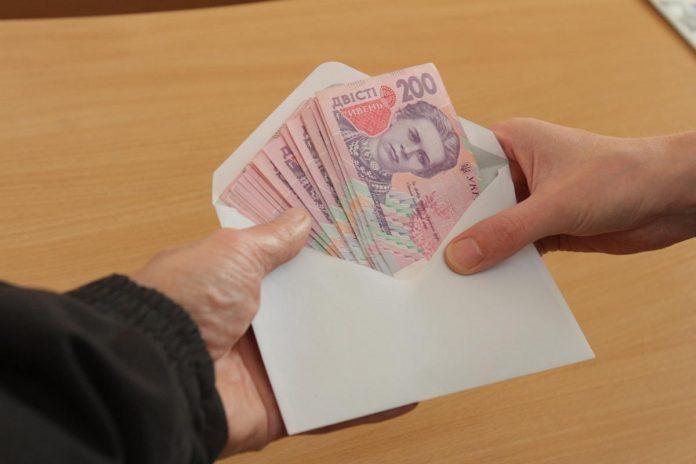 Стало відомо, скільки українців працюють нелегально - today.ua