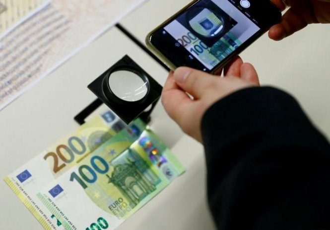 Європейський центральний банк презентував нові банкноти номіналом €100 і €200 - today.ua