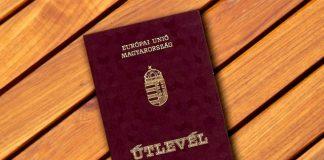 У Береговому українцям видають угорські паспорти під присягу та шампанське (відео) - today.ua