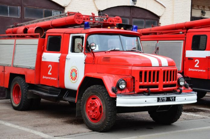 На Львовщине горела ферма: погибли 500 животных - today.ua