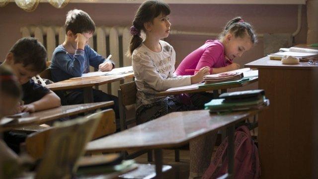 У школьников проверят уровень знаний, полученных во время карантина - Минобразования