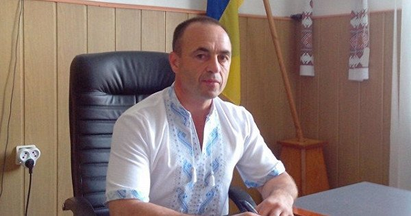 Мэра одного из городов Украины облили кровью - today.ua