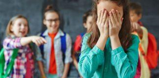 Скандал з тортом отримав продовження: харківську вчительку звільнили - today.ua
