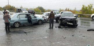 У Харкові потрійна ДТП: дві жінки опинилися в лікарні - today.ua