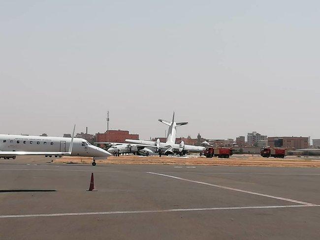 Українські літаки зіштовхнулись в аеропорту Судану (відео) - today.ua