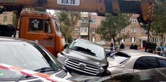 ДТП на Леси Украинки: кто заплатит за поврежденные авто - today.ua