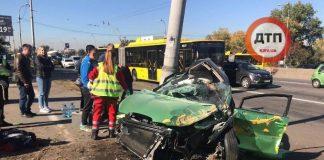ДТП в Киеве на проспекте Ватутина: двое людей погибли, трое в больнице - today.ua