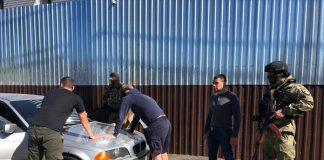 25 озброєних чоловіків упіймали в одному із готелів Одеси (відео) - today.ua