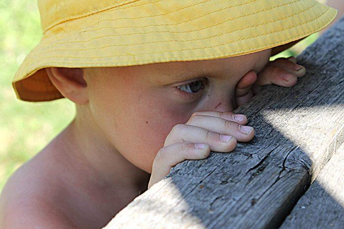 Годувала заспокійливим: на Прикарпатті вихователька дитсадочку побила хлопчика - today.ua