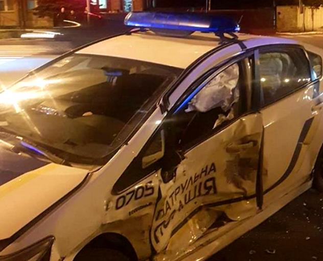 Автомобіль копів потрапив у ДТП у Харкові - today.ua