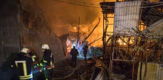Масштабна пожежа в Одесі: згоріли десятки куренів - today.ua