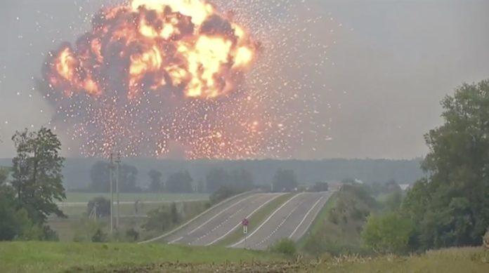 Взрывы в Ичне: в сети показали новые фото - today.ua