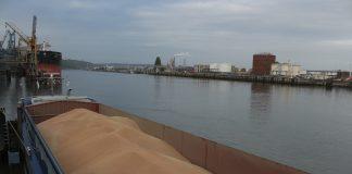 В Азовському морі затонула російська баржа - today.ua