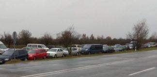 """На угорському кордоні влаштували """"цвинтар"""" автомобілів на """"євробляхах"""" - today.ua"""