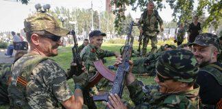 Російські військові масово відмовляються воювати на Донбасі через низькі зарплати, - розвідка - today.ua