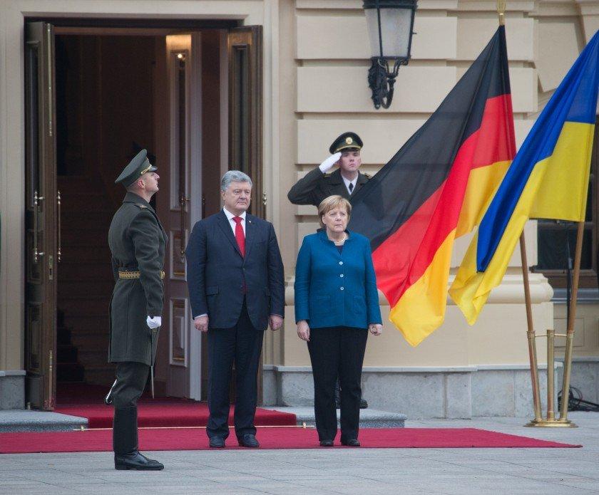 Ангела Меркель прилетіла до Києва (фото)
