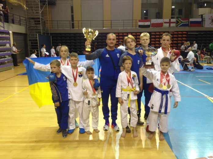12-річна українка стала чемпіонкою світу з карате (фото) - today.ua