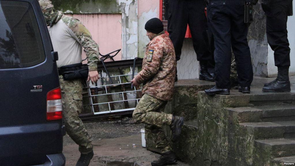 Окупанти заарештували за добу 15 українських моряків - today.ua