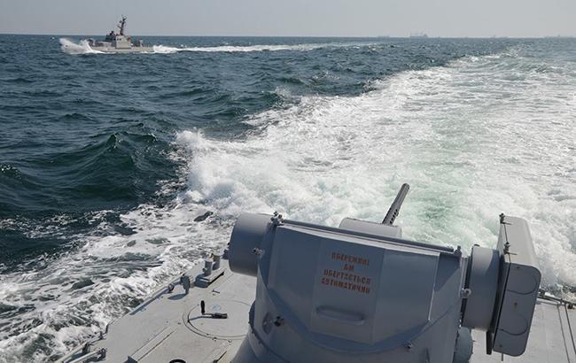 Российский пограничный корабль протаранил буксир МВД в Азовском море - today.ua