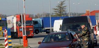 Черги на кордоні з Польшею: прикордонники не пускають нерозмитнені автомобілі - today.ua