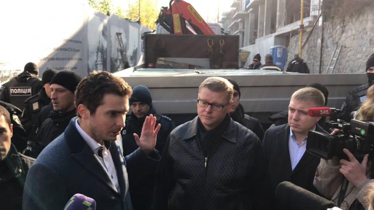 Скандальне будівництво на Андріївському узвозі: КМДА розриває договір із забудовником - today.ua