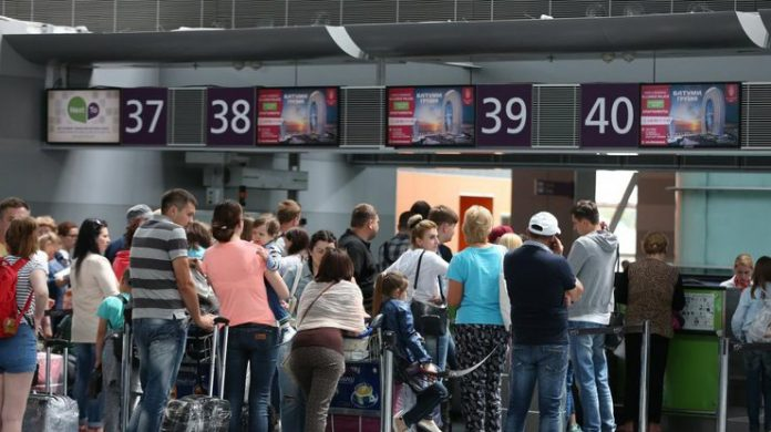 Сотні українських туристів застрягли в Єгипті - today.ua