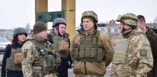 Президент Латвії відвідав зону ООС - today.ua