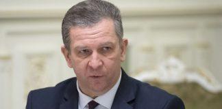 Заробитчан заставят декларировать доходы: министр Рева разъяснил важные моменты - today.ua