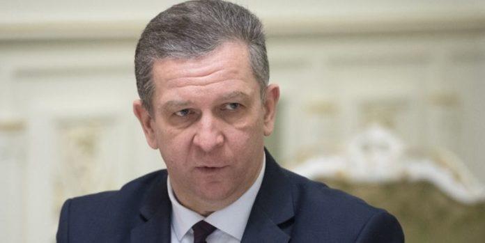 Заробітчан змусять декларувати доходи: міністр Рева пояснив важливі моменти - today.ua