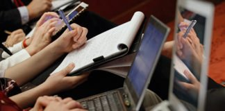 """В новом правительстве предлагают наказывать журналистов за распространение фейков"""" - today.ua"""