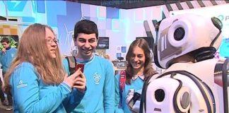 """Черговий фейк: росіяни намагались видати живу людину за """"надрозумного робота"""" - today.ua"""