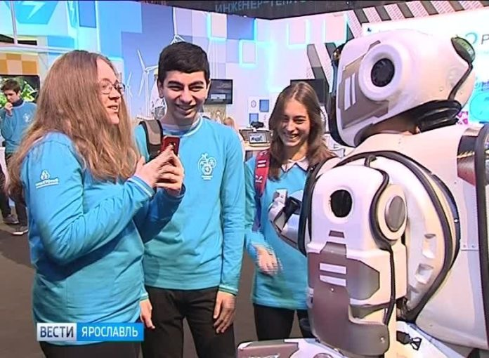 Черговий фейк: росіяни намагались видати живу людину за &quotнадрозумного робота&quot - today.ua