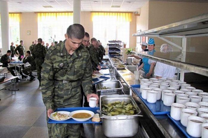 Масове отруєння у військовій частині на Київщині: 20 солдат перебувають у госпіталі - today.ua