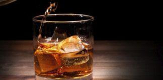 """Чтобы быстро не опьянеть: медики назвали наиболее опасную закуску под алкоголь"""" - today.ua"""