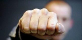 В столице отец школьника жестоко избил учителя физкультуры - today.ua