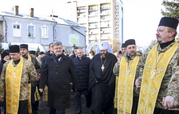 Порошенко відреагував на докори про несамостійність ПЦУ - today.ua