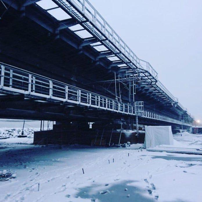 Керченський міст просідає: судноплавство опинилося під загрозою