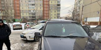 У Києві обстріляли авто працівників штабу Гриценка: опубліковано фото - today.ua