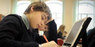 """У Міносвіти пообіцяли забезпечити школярів електронними підручниками"""" - today.ua"""