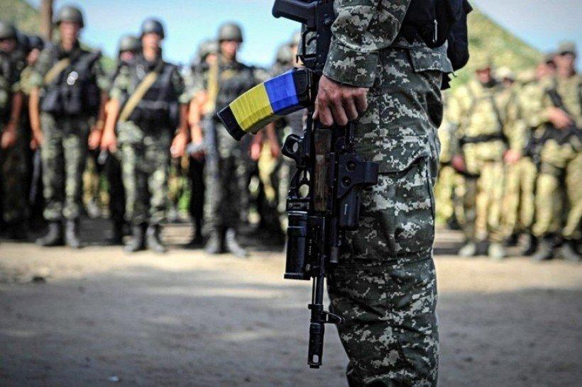 Звільнили після захворювання на кір: український військовий хоче судитись з командуванням - today.ua