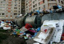 Окупований Донецьк завалений сміттям - today.ua